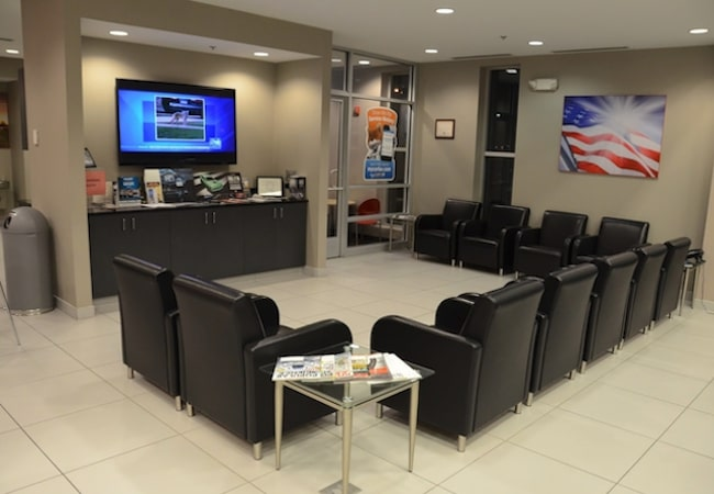 Naperville Chrysler Dodge Jeep Ram Waiting Lobby