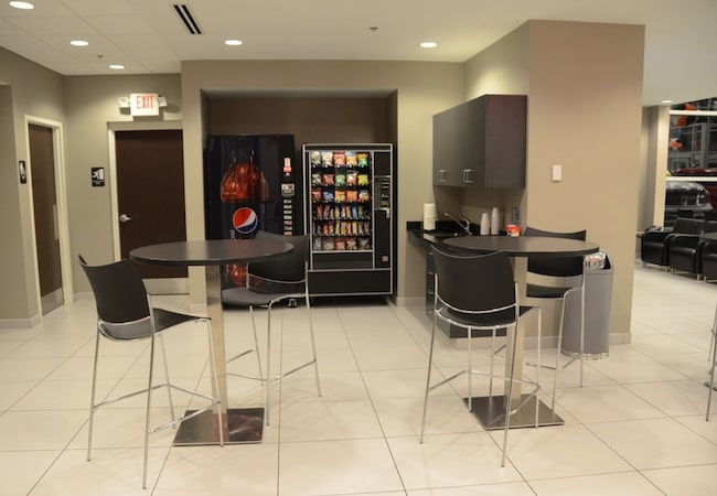 Naperville Chrysler Dodge Jeep Ram Complimentary Snacks