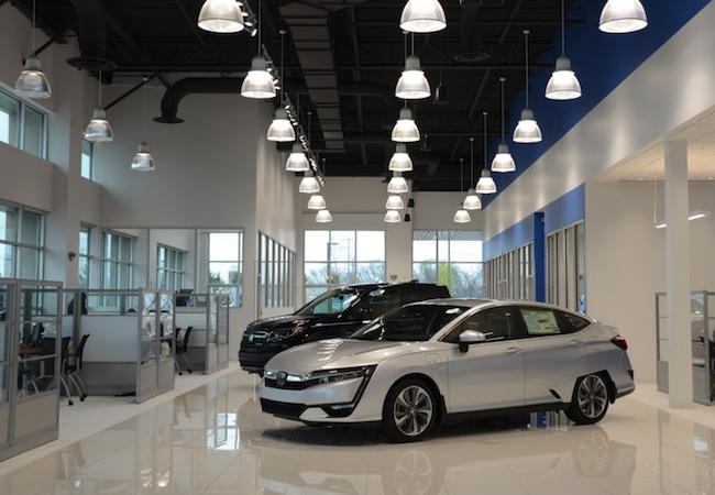 Honda of Murfreesboro Amenities Showroom