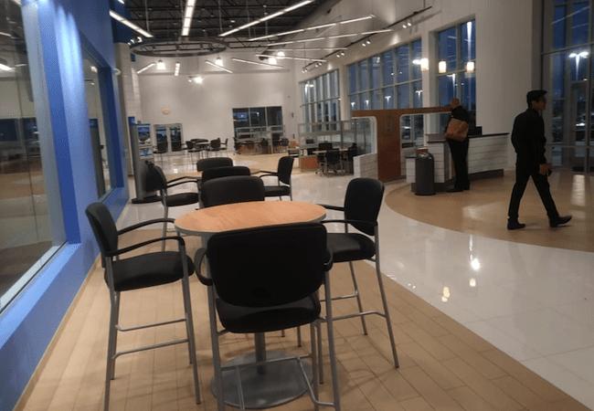 Russ Darrow Honda Amenities Waiting Area