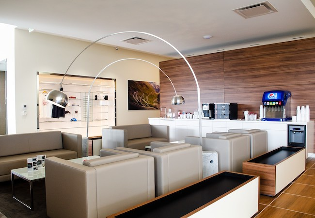 MAG Land Rover Lounge