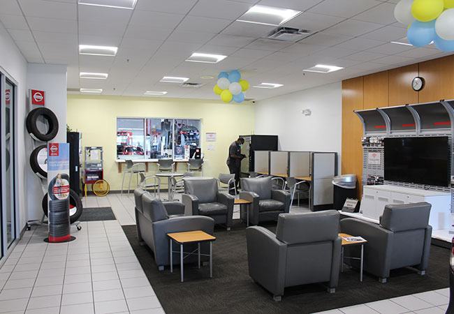 Russ Darrow Nissan of Milwaukee Service Department