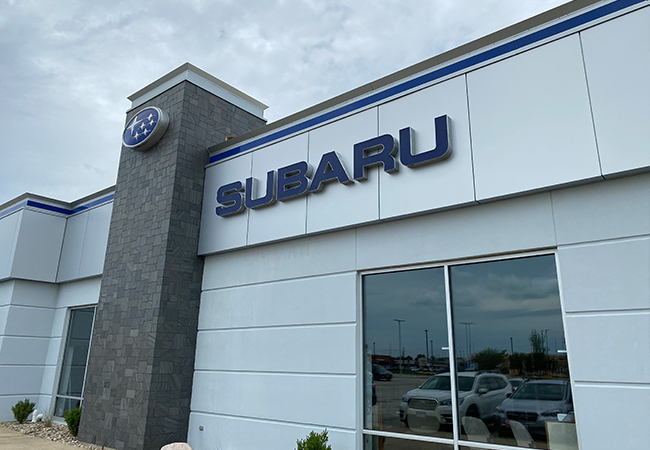 Serra Subaru Champaign Waiting Lounge