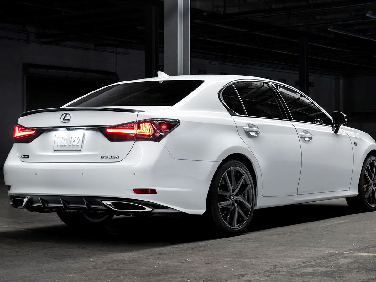 Lexus Rear Brake Pad Replacement Service