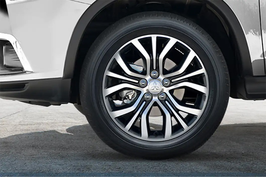 Tire Places Open Today >> Ny Mitsubishi Tire Replacements Brooklyn Dealership Near