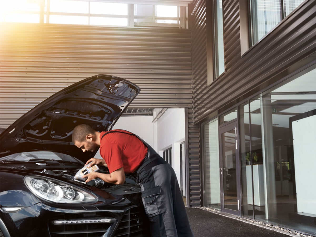 Porsche Full-Synthetic Oil Change Service