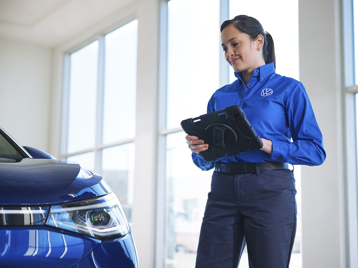 Cooley Volkswagen Technicians